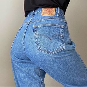 """LEVIS Vintage 560 High Rise Mom Jeans Tapered 34"""""""